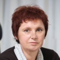 agent Milena Korošec