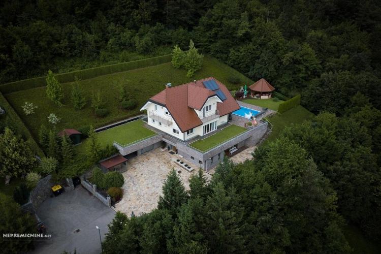 Lokacija: Ljubljana okolica, Brezovica, Preserje