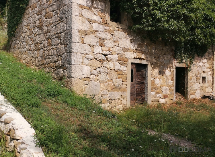 Lokacija: Obalno - kraška, Koper, Movraž