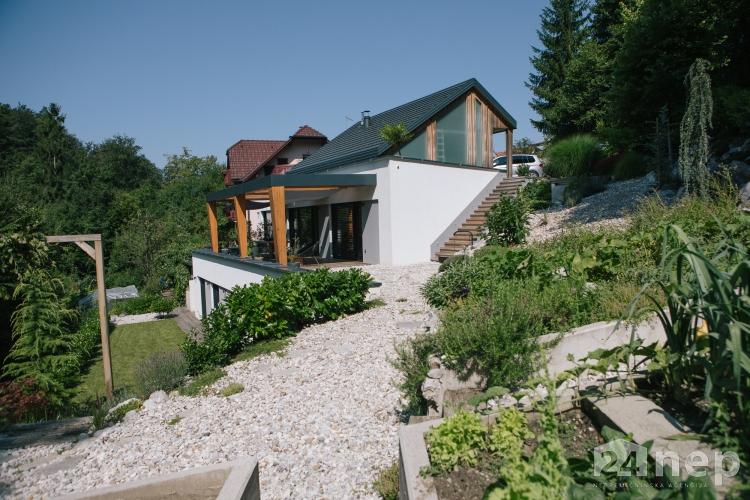 Lokacija: Ljubljana okolica, Domžale, Žeje