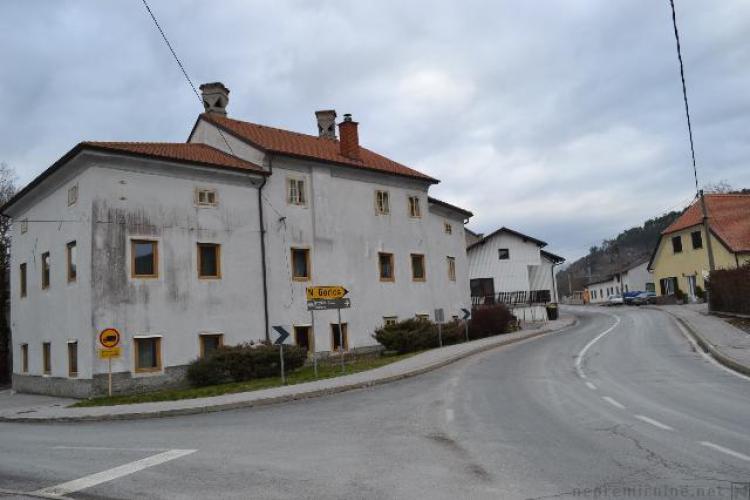 Lokacija: Notranjsko - kraška, Postojna, Razdrto