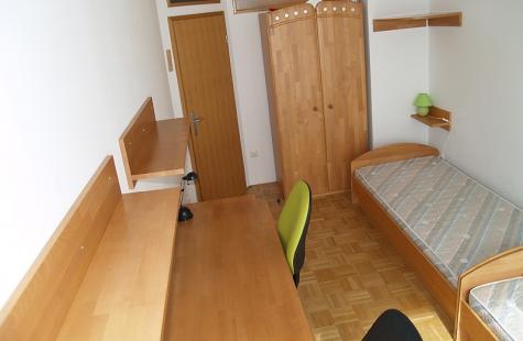 Podravska, Maribor, Center, Oddaja, Stanovanje, 4,5-sobno, 36 m<sub>2</sub>, 2001