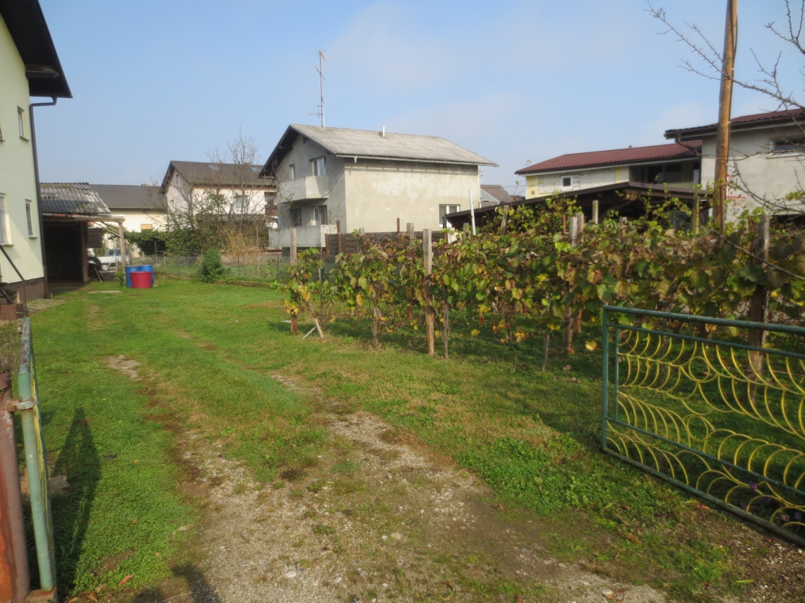 Lokacija: Podravska, Miklavž na Dravskem polju, Skoke