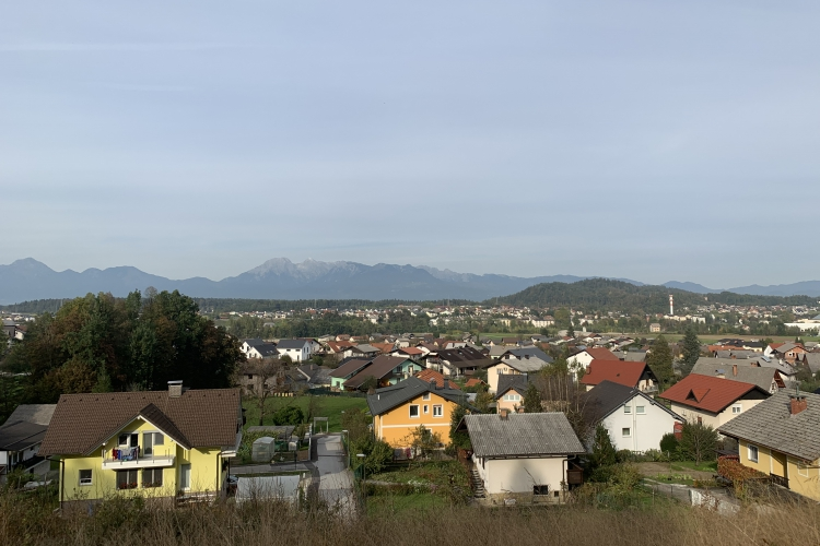 Lokacija: Ljubljana okolica, Medvode, Vaše