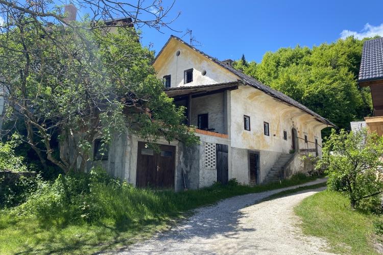 Lokacija: Gorenjska, Kranj, Javornik