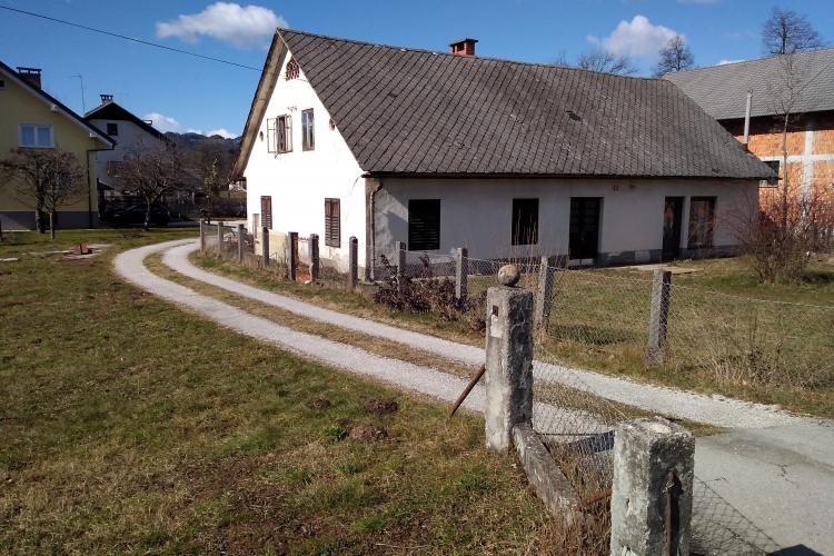 Lokacija: Gorenjska, Kranj, Zgornje Bitnje