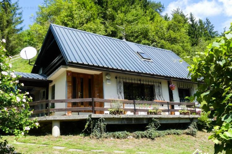 Lokacija: Ljubljana okolica, Dobrova - Polhov Gradec, Selo nad Polhovim Gradcem