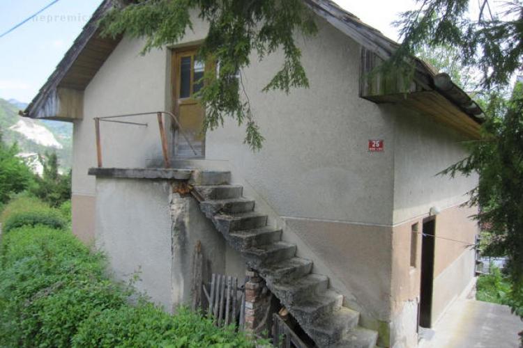 Lokacija: Zasavska, Hrastnik, Hrastnik