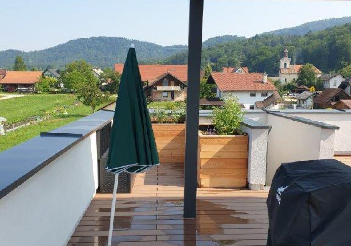 Lokacija: Ljubljana mesto, Šiška, Šmartno pod Šmarno goro