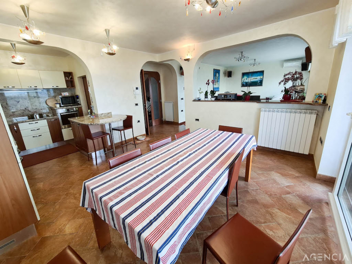 Location: Coast and Karst, Koper, Žusterna III