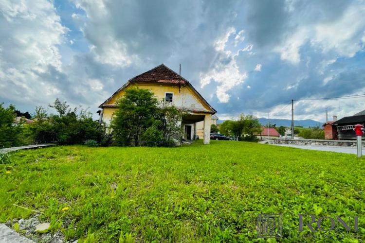 Lokacija: Notranjsko - kraška, Postojna, Hrašče