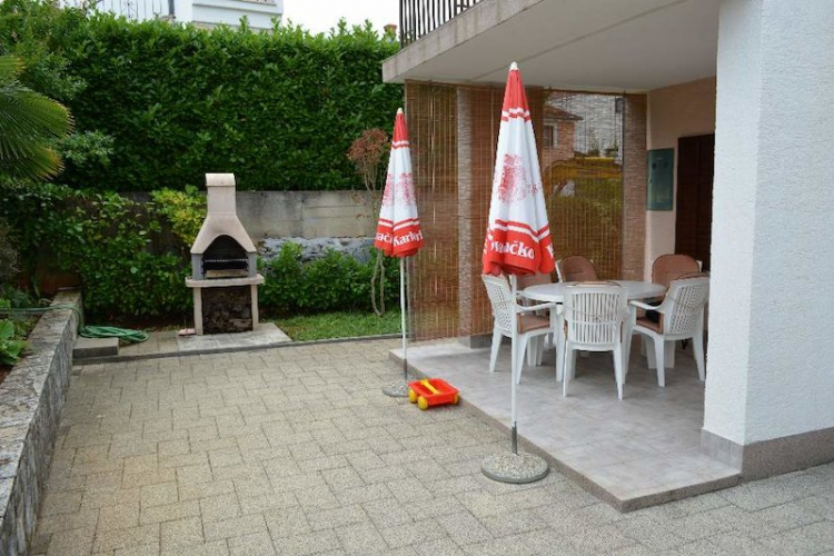 Lokacija: Hrvaška, Malinska - Dubašnica