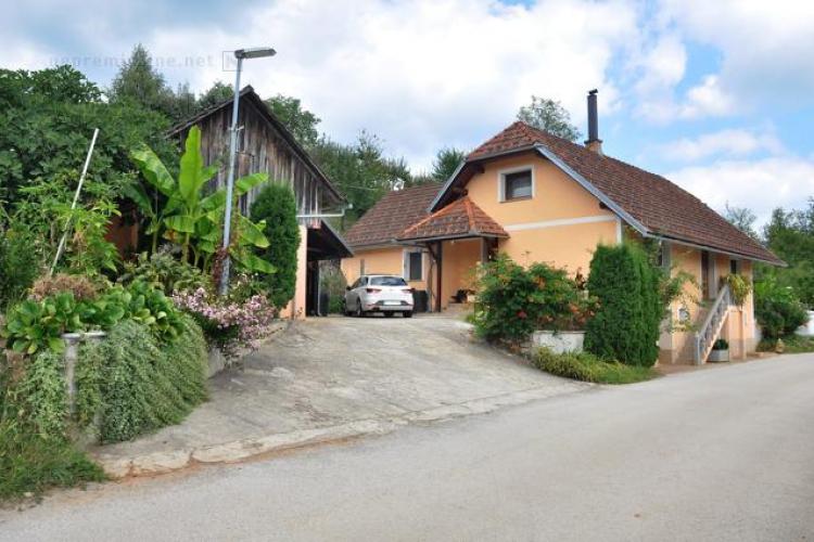 Lokacija: Jugovzhodna Slovenija, Črnomelj, Perudina