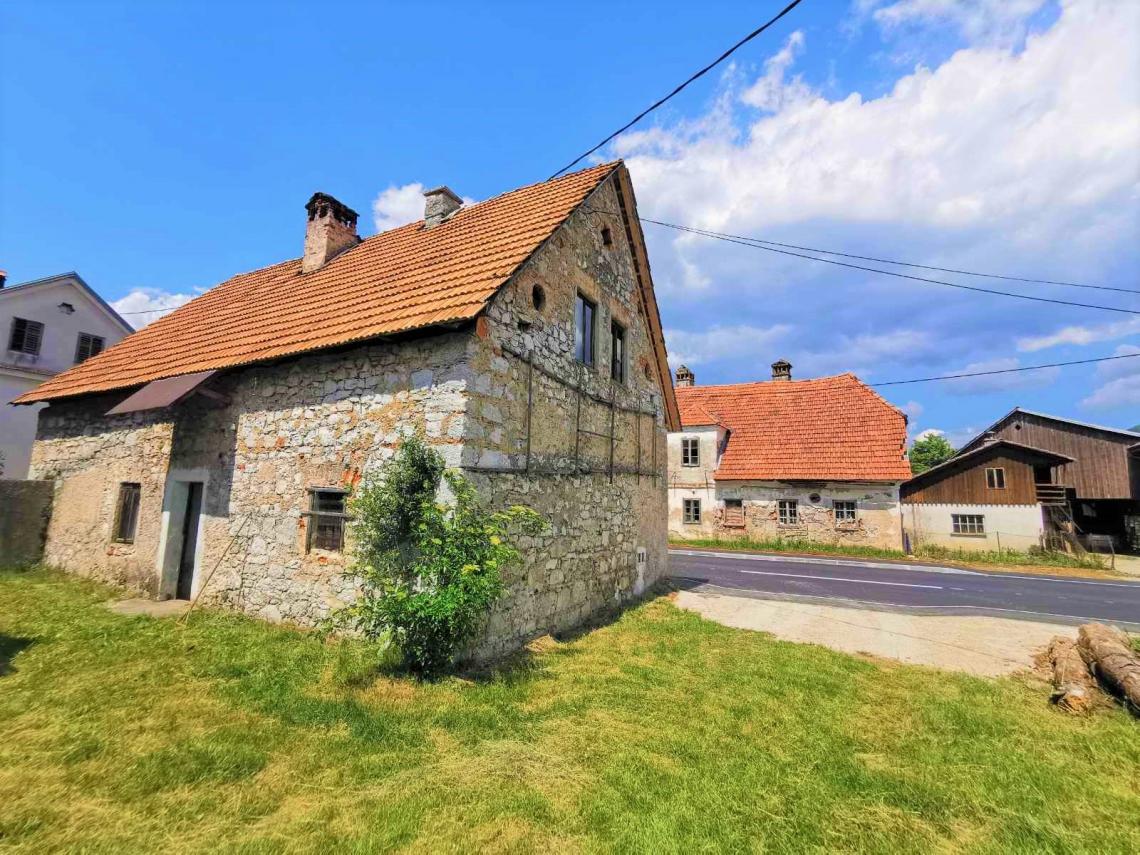 Lokacija: Notranjsko - kraška, Loška Dolina, Pudob