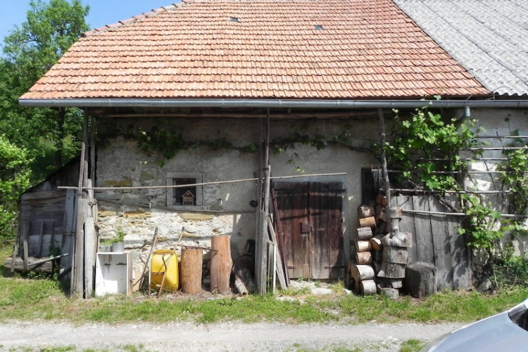 Lokacija: Notranjsko - kraška, Postojna, Studeno