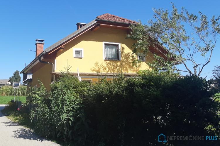 Lokacija: Ljubljana okolica, Komenda, Komenda