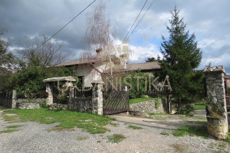 Lokacija: Obalno - kraška, Hrpelje - Kozina, Kozina