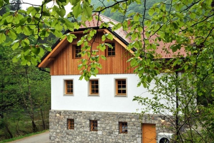Lokacija: Jugovzhodna Slovenija, Kostel