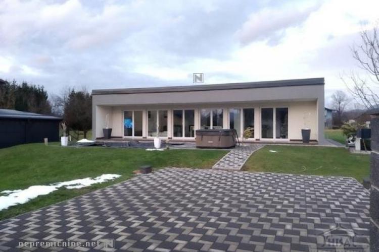 Lokacija: Savinjska, Celje, Zadobrova