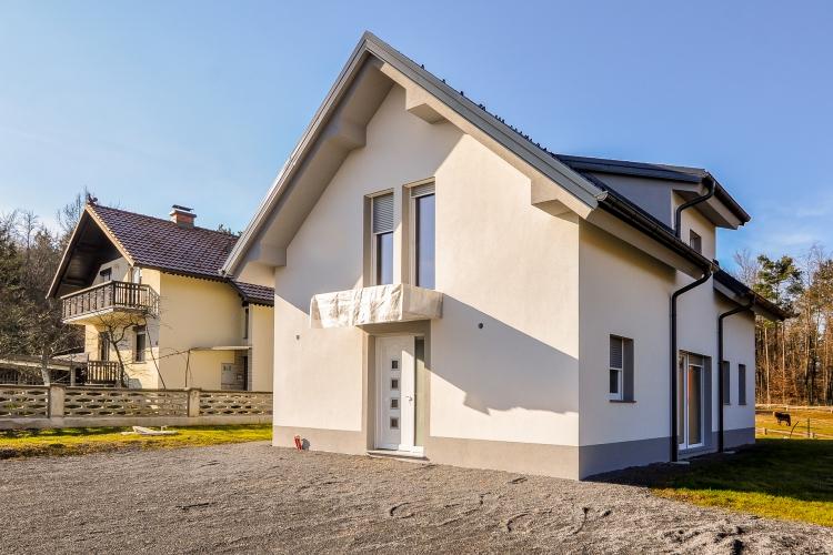 Lokacija: Ljubljana okolica, Škofljica, Smrjene