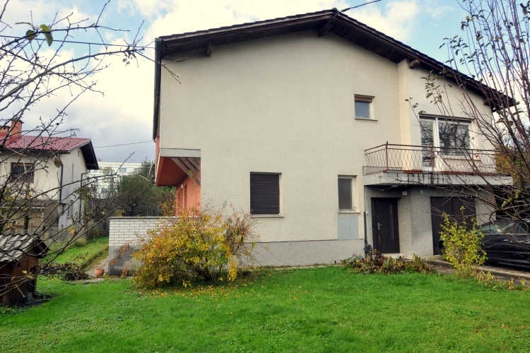 Lokacija: Ljubljana, Vič-Rudnik, Trnovo