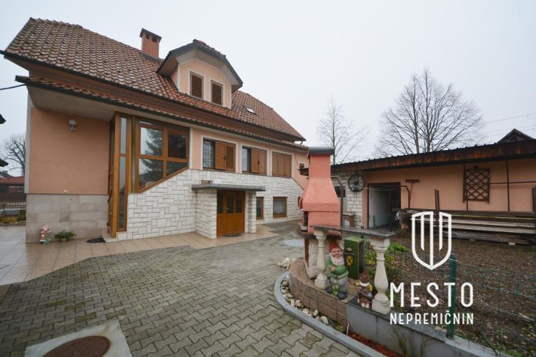 Lokacija: Ljubljana, Moste-Polje, Polje