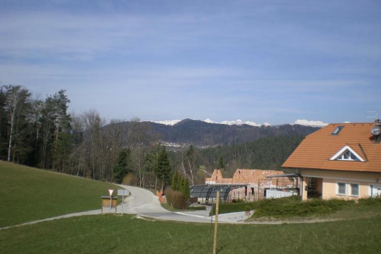 Lokacija: Ljubljana okolica, Lukovica, Koreno