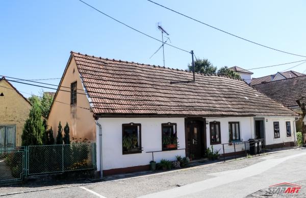 : Jugoistočna Slovenija, Metlika, Metlika