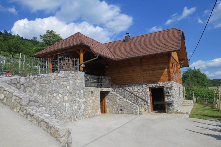 Lokacija: Jugovzhodna Slovenija, Straža