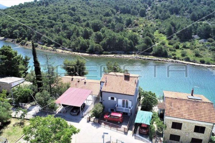 Lokacija: Hrvaška, Pirovac