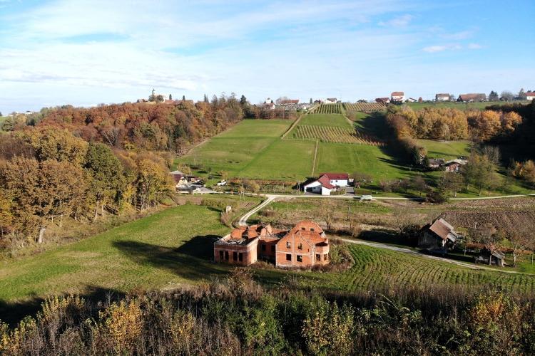Lokacija: Pomurska, Radenci, Kapelski Vrh