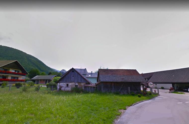 Location: Upper Carniola, Cerklje na Gorenjskem, Dvorje