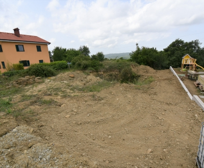 Lokacija: Obalno - kraška, Koper, Boršt