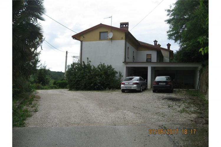 Lokacija: Goriška, Brda