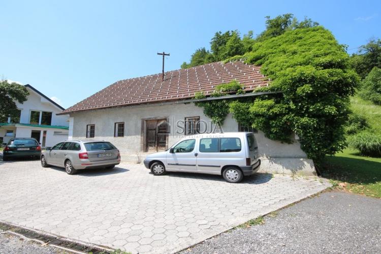 Lokacija: Ljubljana okolica, Log-Dragomer