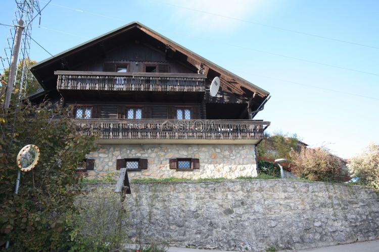 Lokacija: Ljubljana okolica, Mengeš